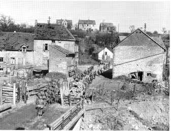 254th Infantry moving into Eschringen, Germany