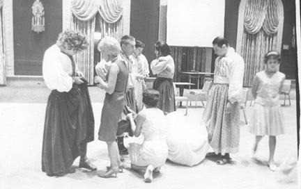 WWII cast getting ready for 1985 show