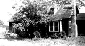 Front view of Sanford Manor, Centreville, MS 1943