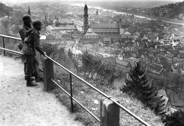 US troops overlook Heidelberg, Germany 1945
