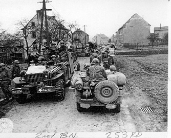 253d Inf soldiers on the move