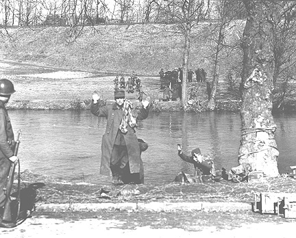 POWs moved across the Saar River