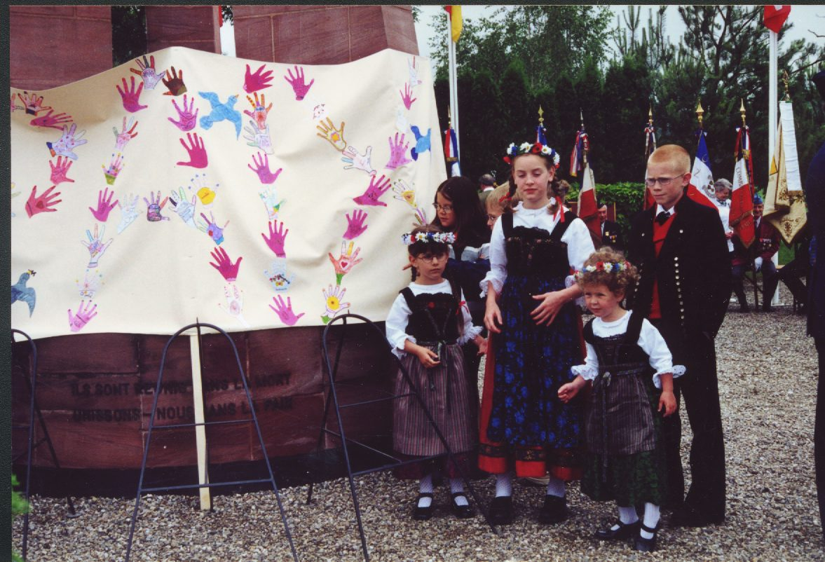 Jebsheim School Children present Peace flag at Peace meeting Jun 2000