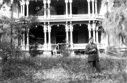 Frollo at Longwood House, Natchez MS 1944