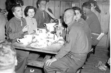 563d Sig Co Thanksgiving Day 1943