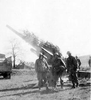 German 88 near Siegfried Line, Mar 45