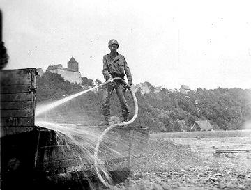 Washing trailer, Germany 1945
