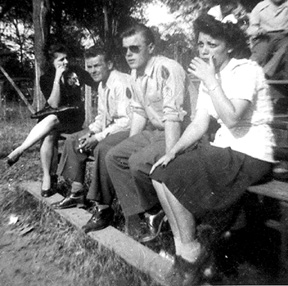 Brazicki and friends 1944