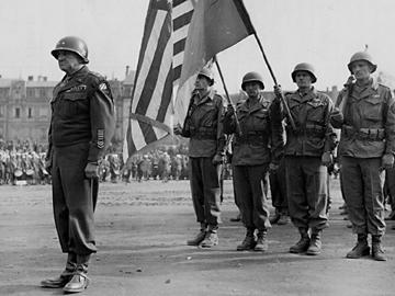Third Division receives French Croix de Guerre